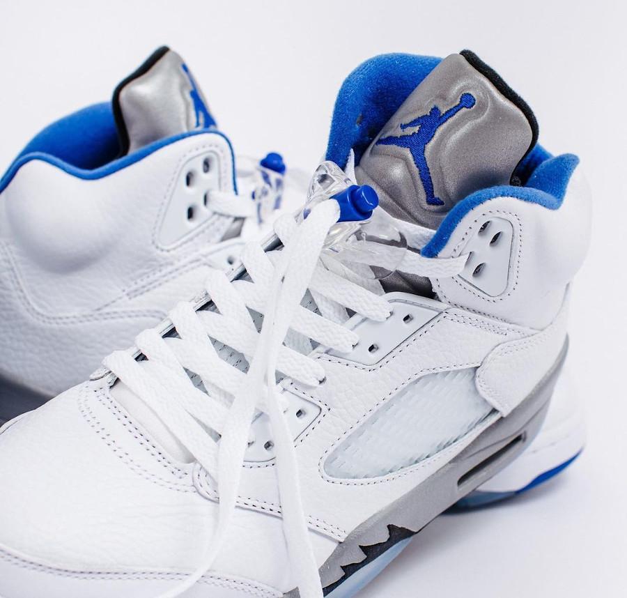Air Jordan V blanche bleu et grise (3)