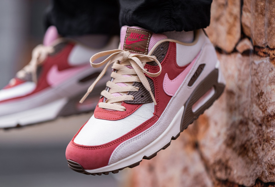Nike AM90 Daves Quality Meats 2.0 on feet (2)