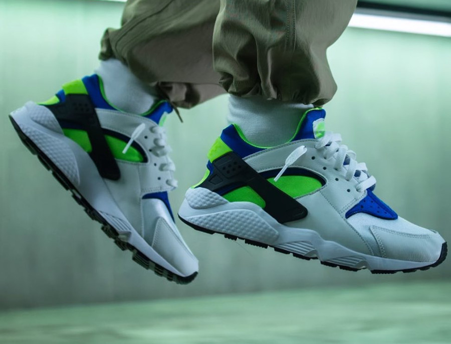 Nike Air Huarache blanche bleu vert fluo (30 ans) (3)