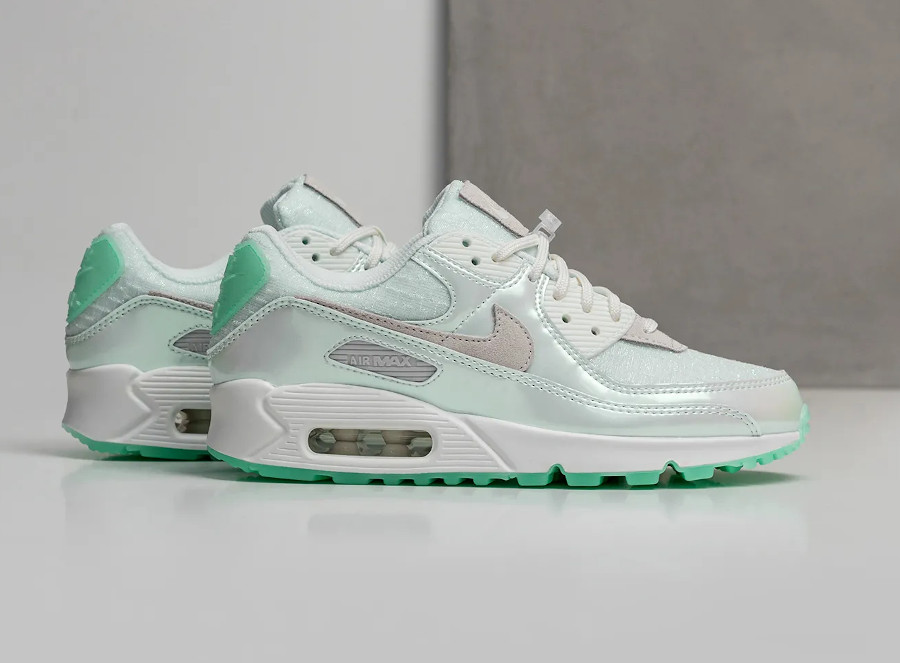 Nike Air Max 90 iridescent 2021 blanc cassé et vert jade (1)