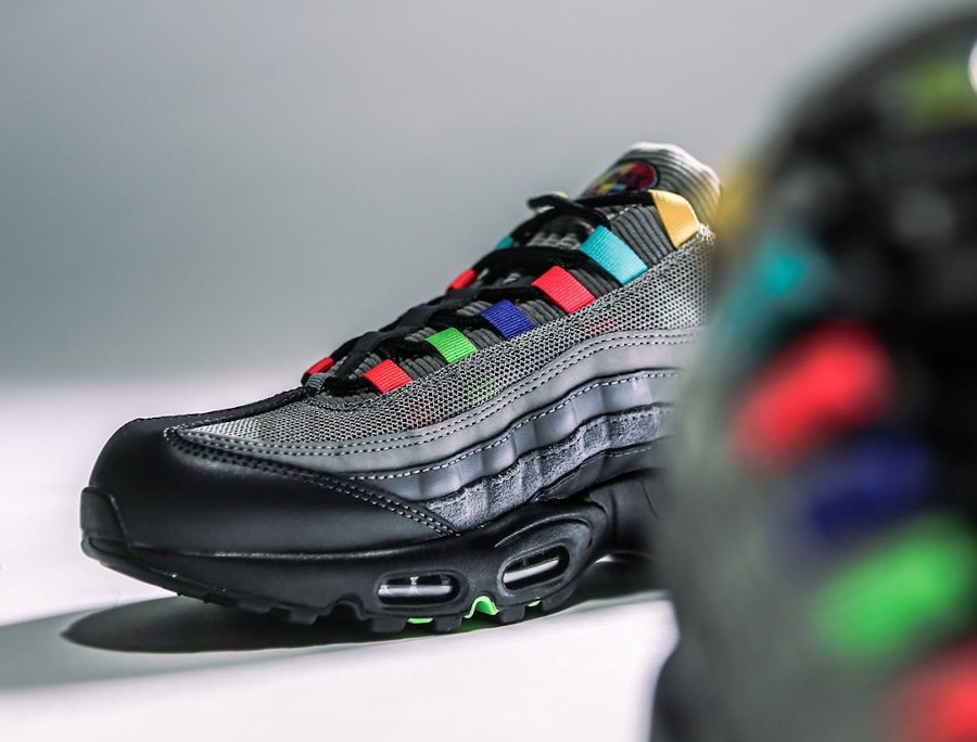 Nike Air Max 95 Evolution Of Icons (3)