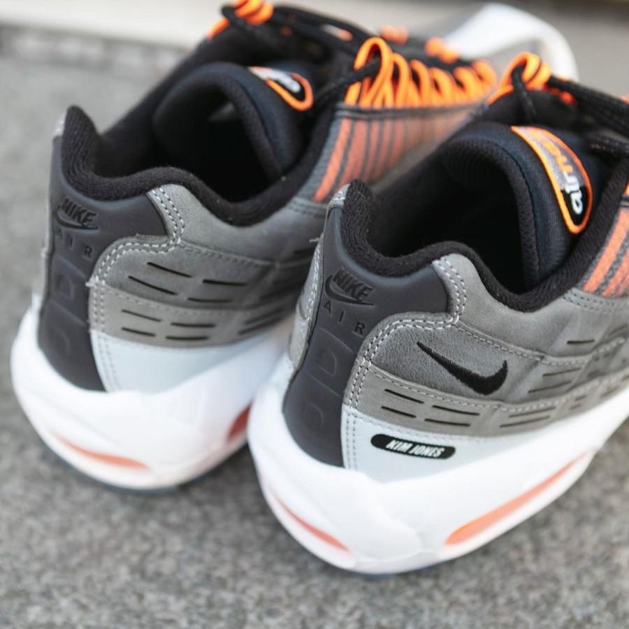Nike Air Max 95 KM EOI noire grise et orange (1)