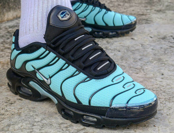 Nike Air Max Plus Requin Tiffany Blue Aqua CV8838-400 (couv)