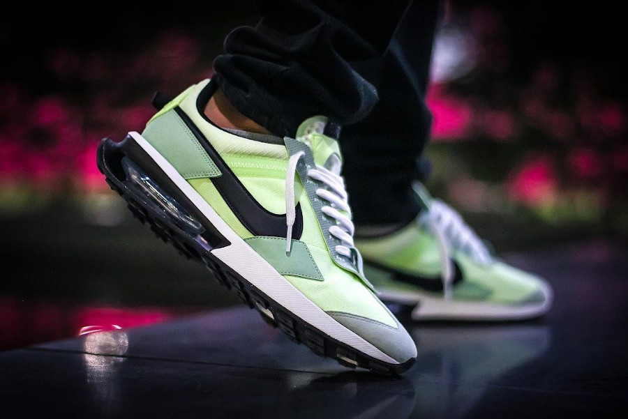 Nike Air Max Pre Day vert citron pistache on feet (1)