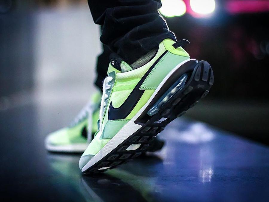 Nike Air Max Pre Day vert citron pistache on feet (2)