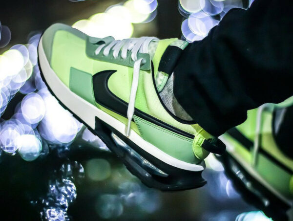 Nike Air Max Pre Day vert citron pistache on feet (3)