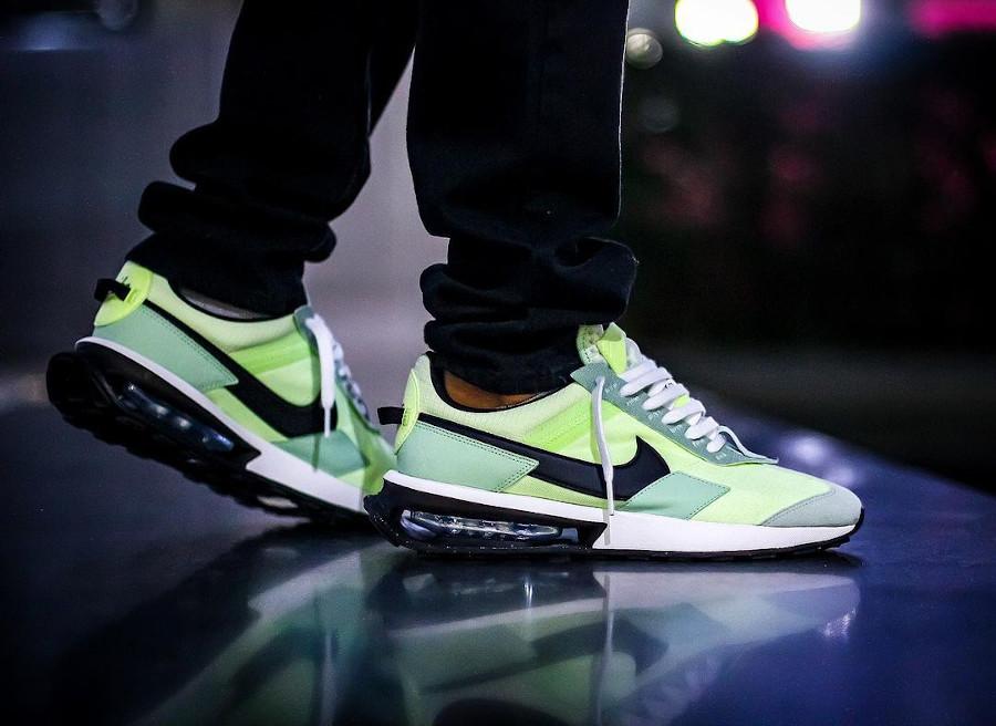 Nike Air Max Pre Day vert citron pistache on feet (4)