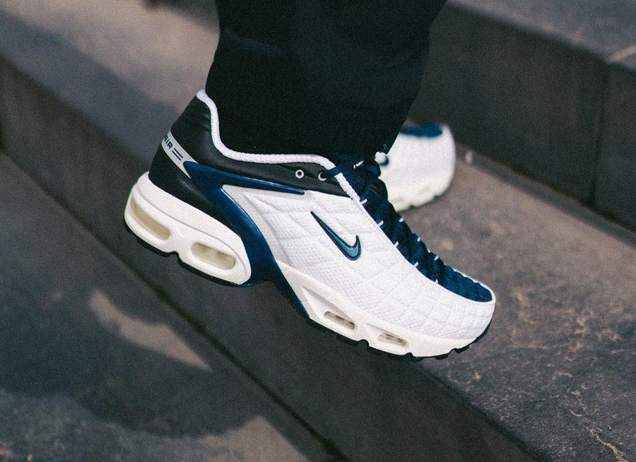 Nike Air Max Tailwind 5 blanche bleu foncé et noire (4)