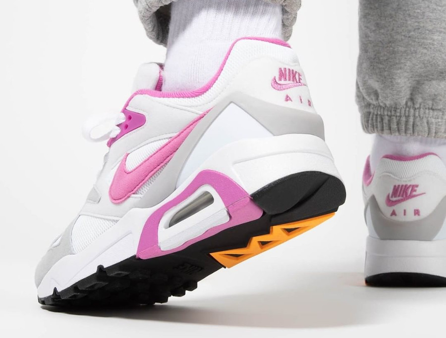 Women's Nike Air Structure rose blanche et rose (1)