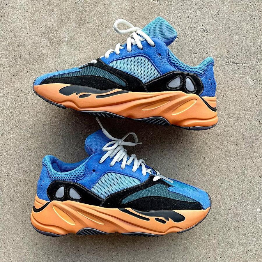 Adidas Yezzi 700 bleue et orange (2)