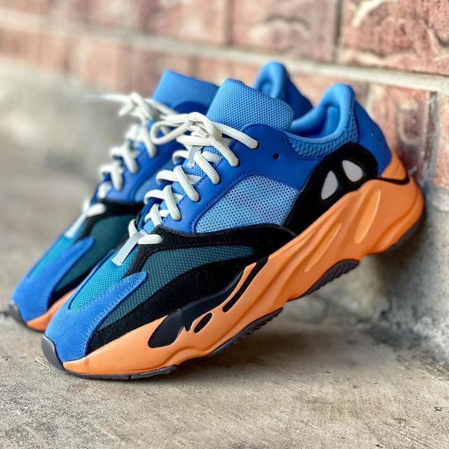 Adidas Yezzi 700 bleue et orange (3)