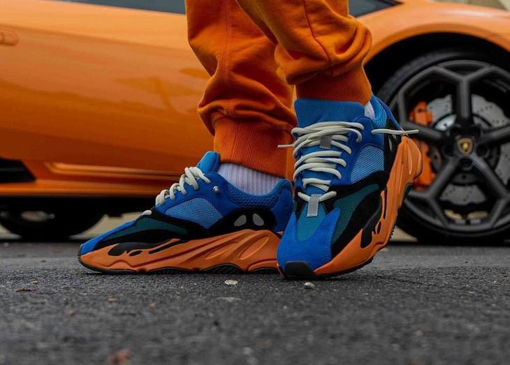 Adidas Yezzi 700 bleue et orange (4)