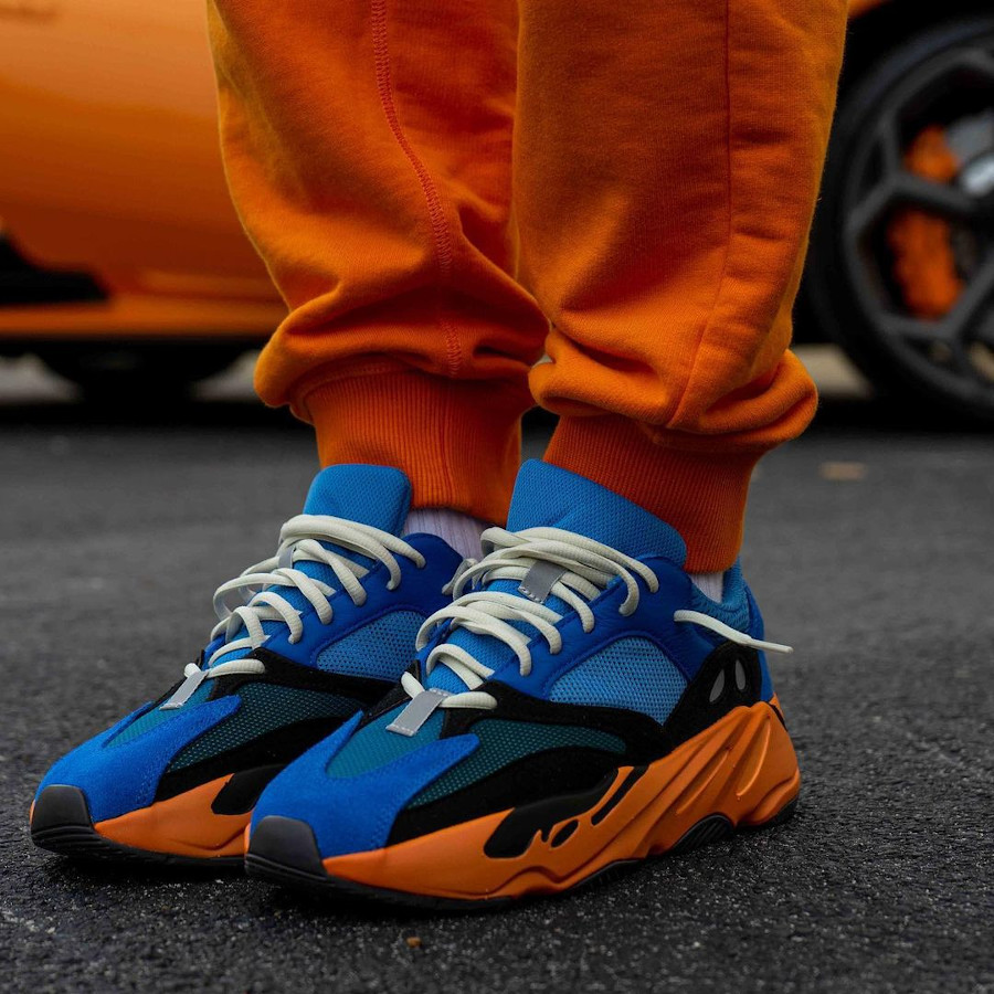 Adidas Yezzi 700 bleue et orange (5)