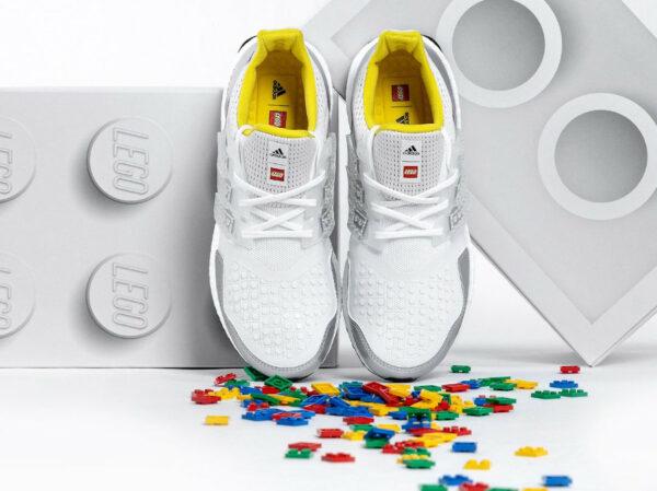 Adidas x Lego® Plates x UltraBoost DNA 'Briques' FY7690