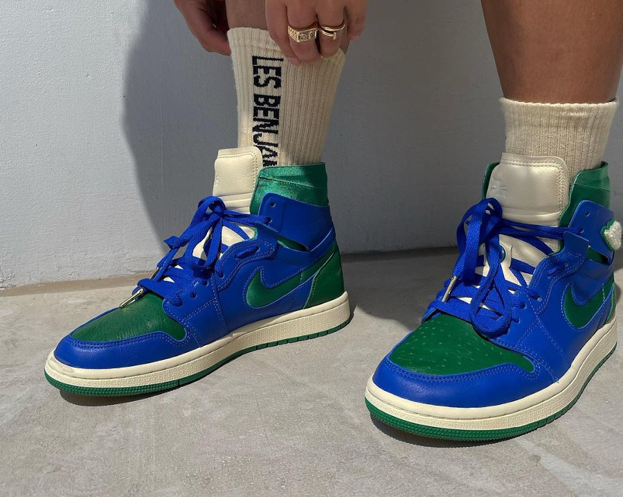 Air Jordan 1 Comfort 2021 bleue et verte on feet