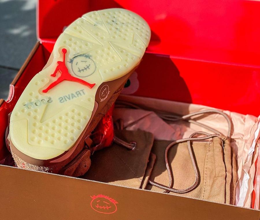 Air Jordan 6 TS en suède marron (4)