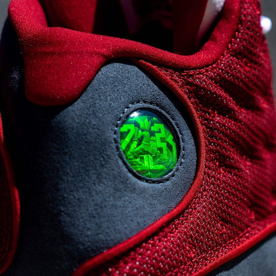 Air Jordan XIII rouge et grise (2)
