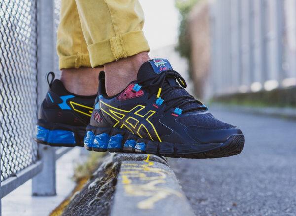 Asics Gel Quantum 180 noire bleu et jaune on feet (3)