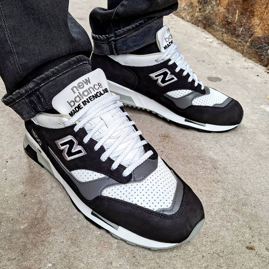 New Balance 1500 Black White made in England on feet
