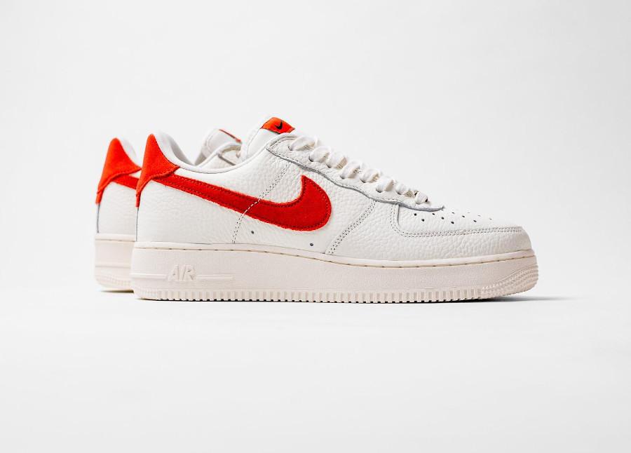 Nike AF1 Low 2021 blanc cassé et orange (4)