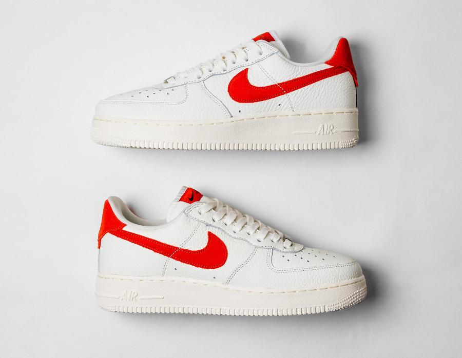 Nike AF1 Low 2021 blanc cassé et orange (6)