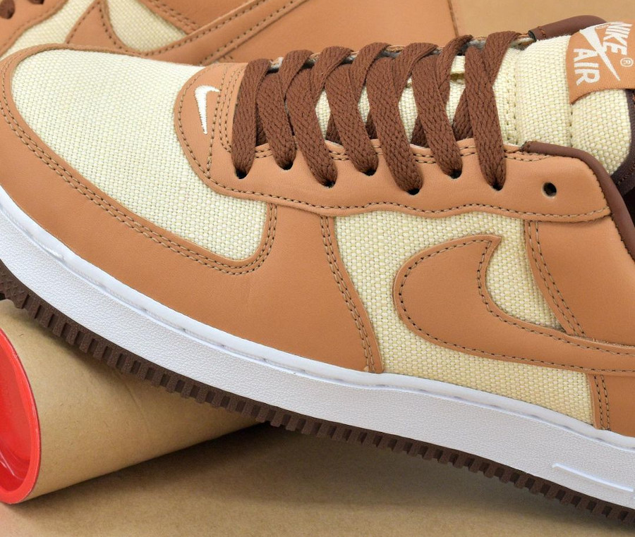Nike Air Force One CO.JP marron et beige (1)