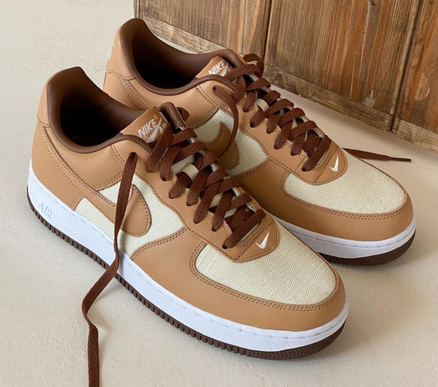 Nike Air Force One CO.JP marron et beige (2)