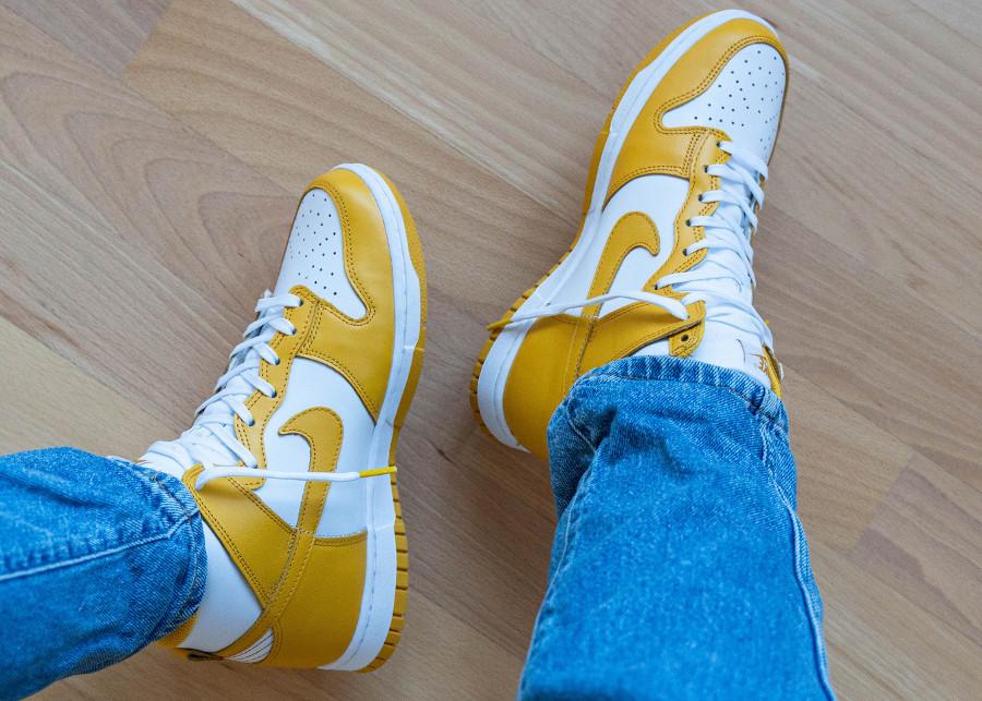 Nike Dunk Hi blanche et jaune foncé (2)
