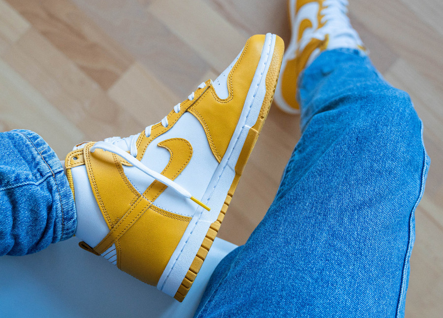 Nike Dunk Hi blanche et jaune foncé (3)