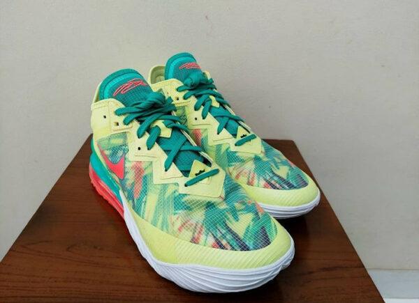 Nike Lebron 18 Low Lebronold Palmers CV7562-300