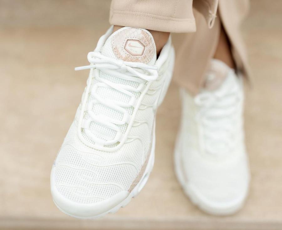Nike Tuned 1 avec un imprimé serpent (2)