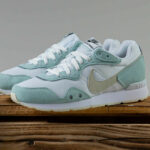 Nike Wmns Venture Runner 'Sea Glass'