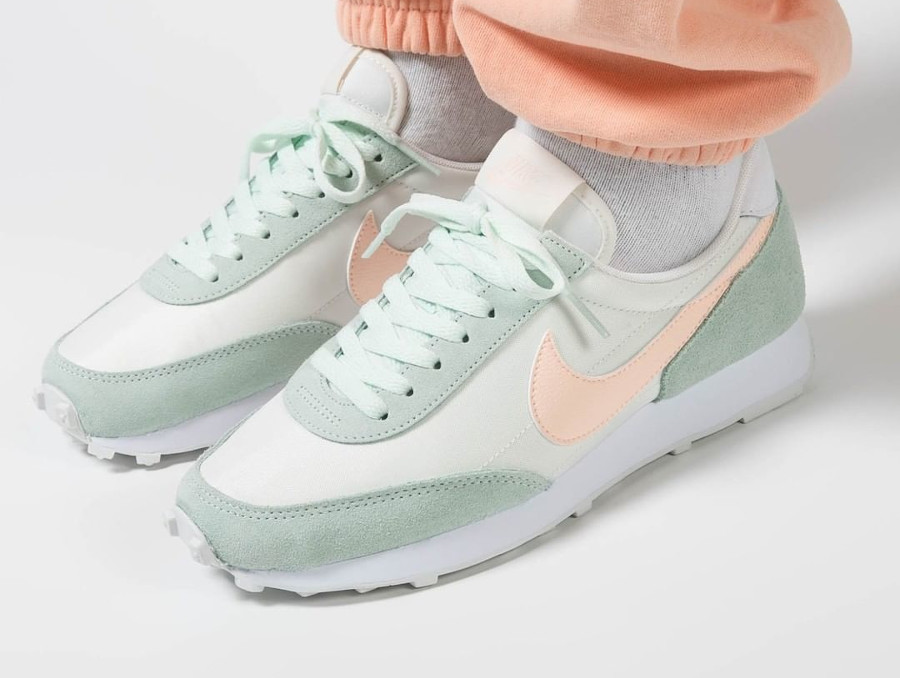 Nike Wmns Dbreak vert pastel et rose (4)