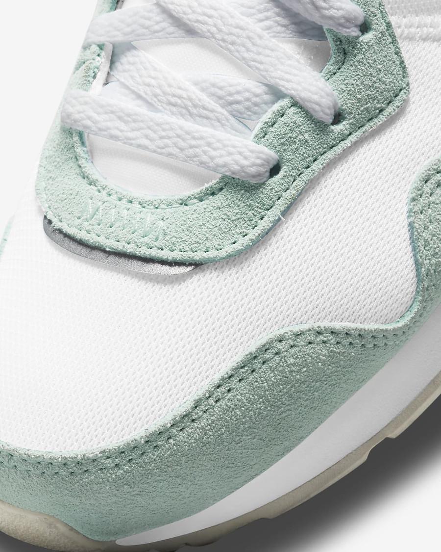 Nike Wmns Venture Runner menthe pastel (2)