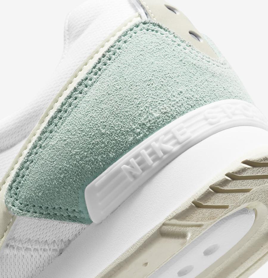 Nike Wmns Venture Runner menthe pastel (4)