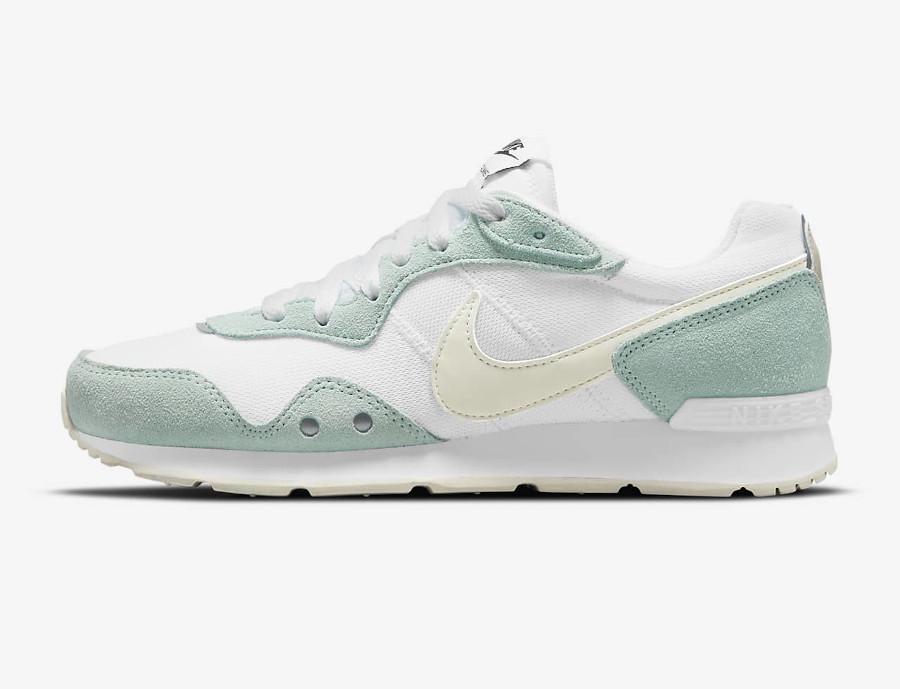 Nike Wmns Venture Runner menthe pastel (5)