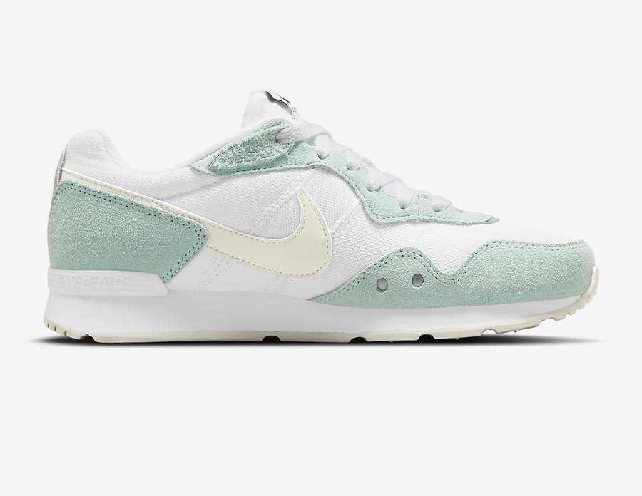 Nike Wmns Venture Runner menthe pastel (6)