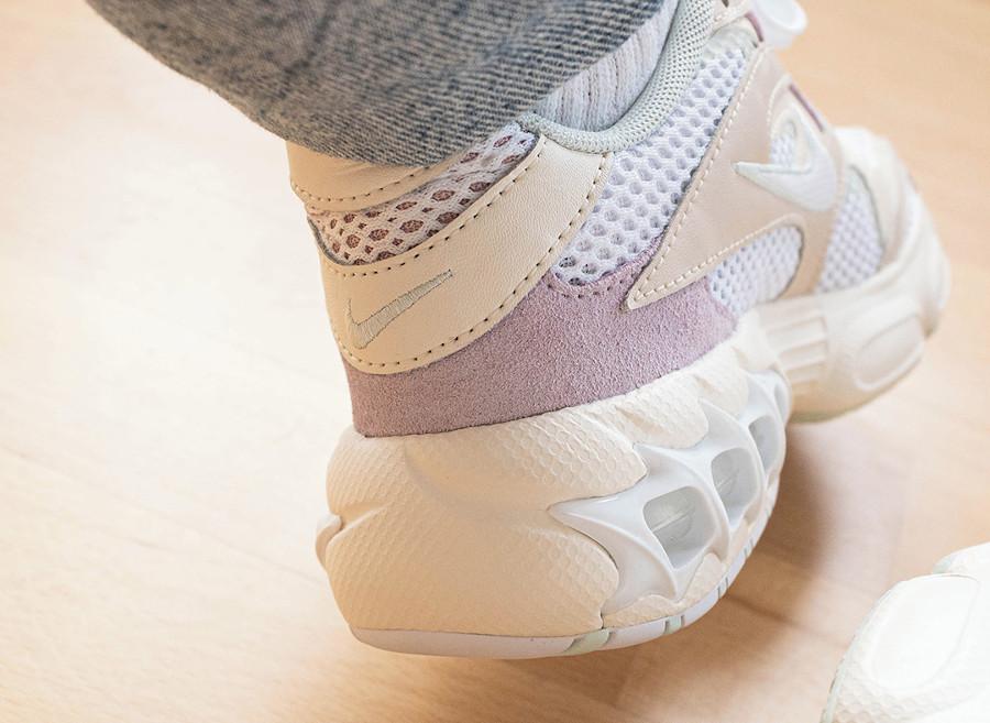 Nike Wmns Zoom Air Fire Caged 2 blanc cassé et violet (2)
