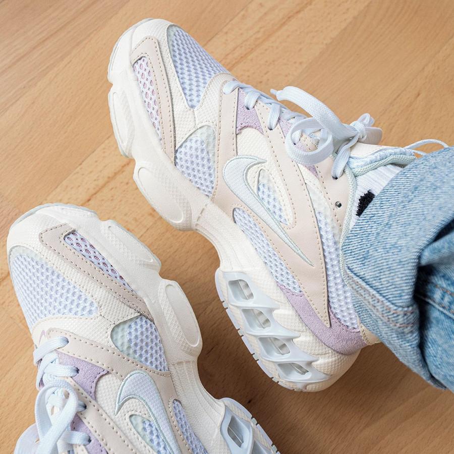 Nike Wmns Zoom Air Fire Caged 2 blanc cassé et violet (3)