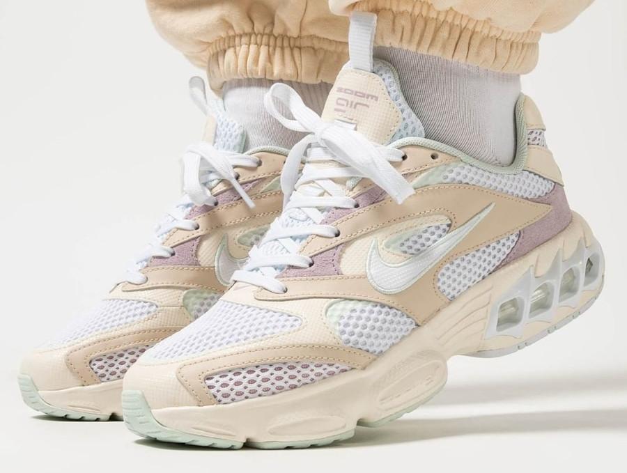 Nike Wmns Zoom Air Fire Caged 2 blanc cassé et violet (4)