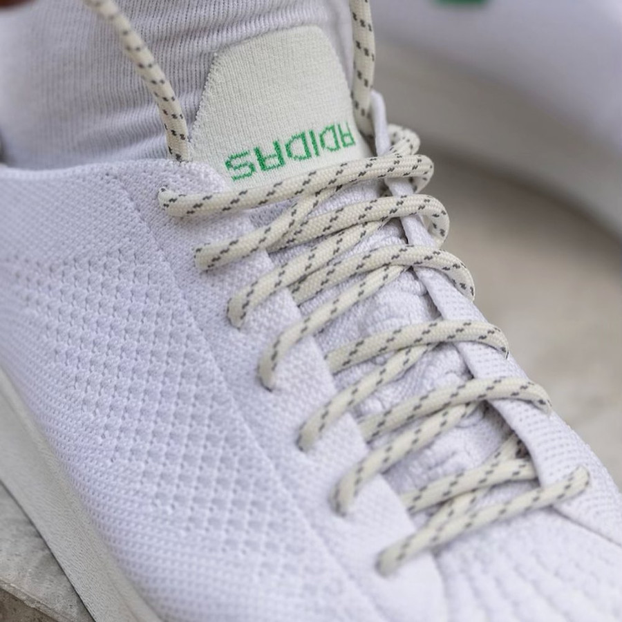 PW x Adidas Superstar 80 blanche et verte 2021 on feet (1)