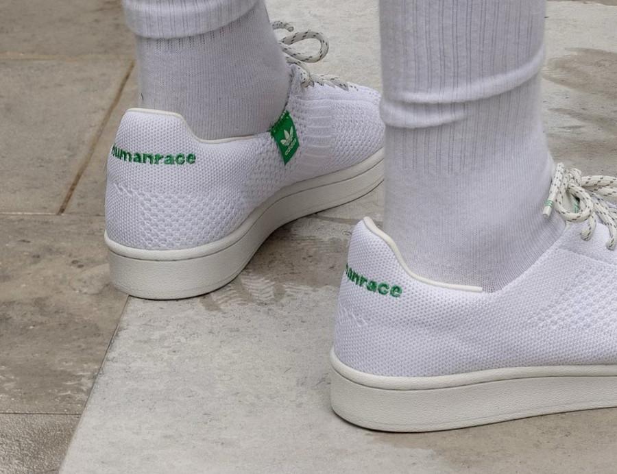 PW x Adidas Superstar 80 blanche et verte 2021 on feet (2)