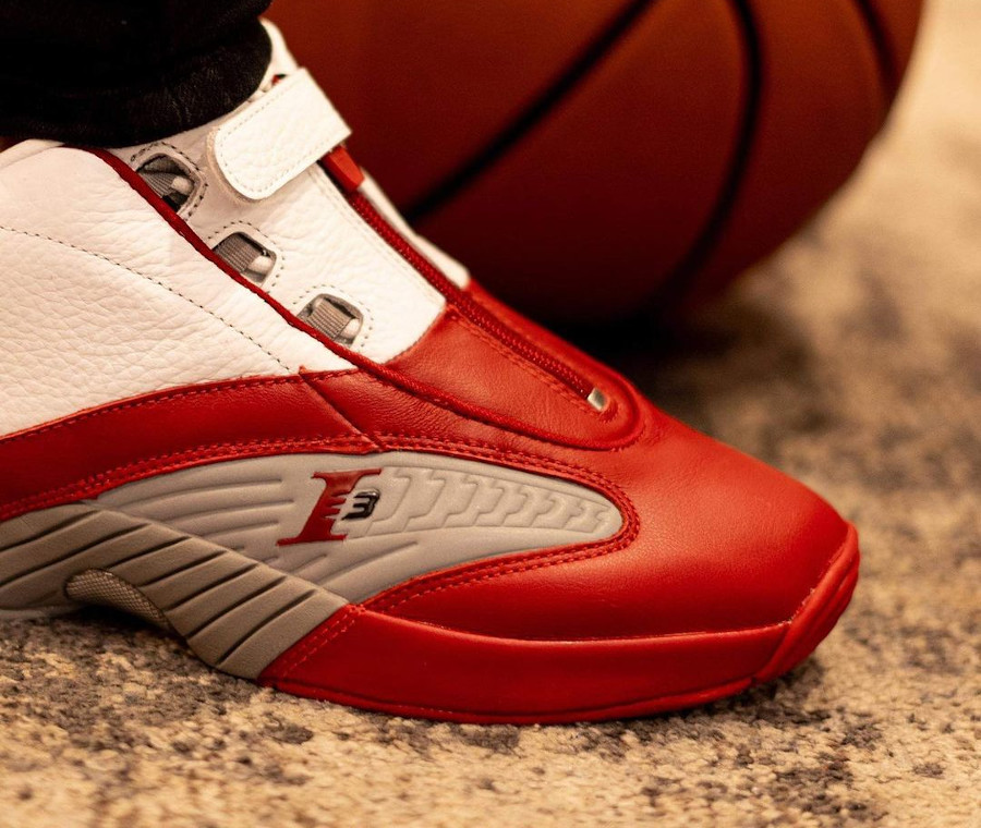 Reebok Answer 4 blanche rouge et grise (1)