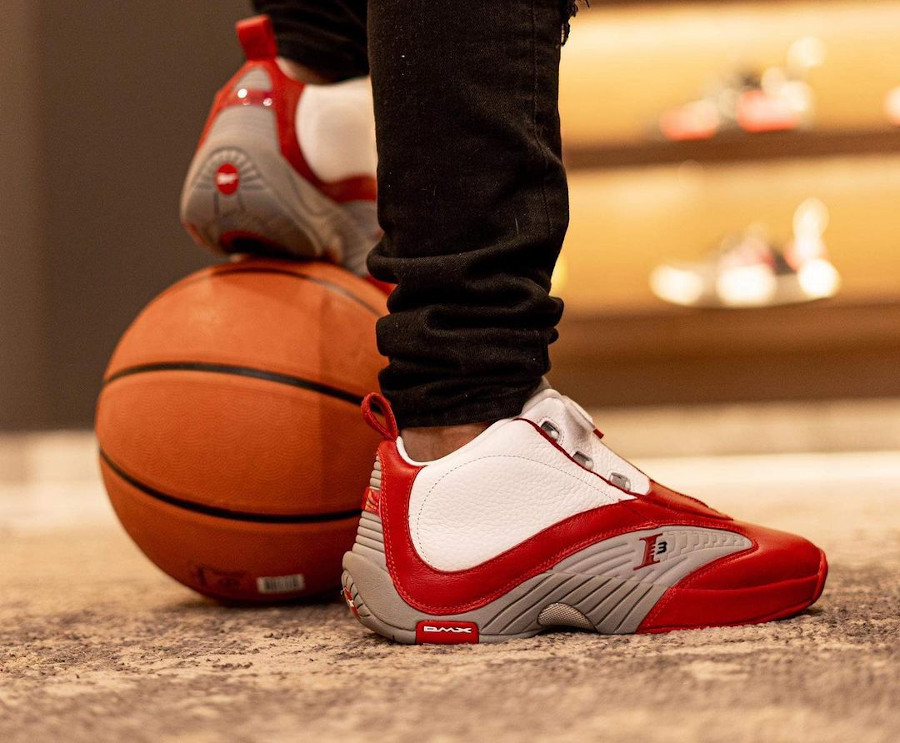 Reebok Answer 4 blanche rouge et grise (2)