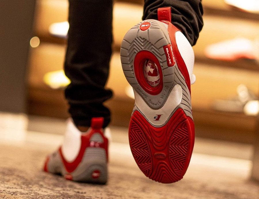 Reebok Answer 4 blanche rouge et grise (3)