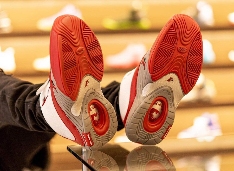 Reebok Answer 4 blanche rouge et grise (4)