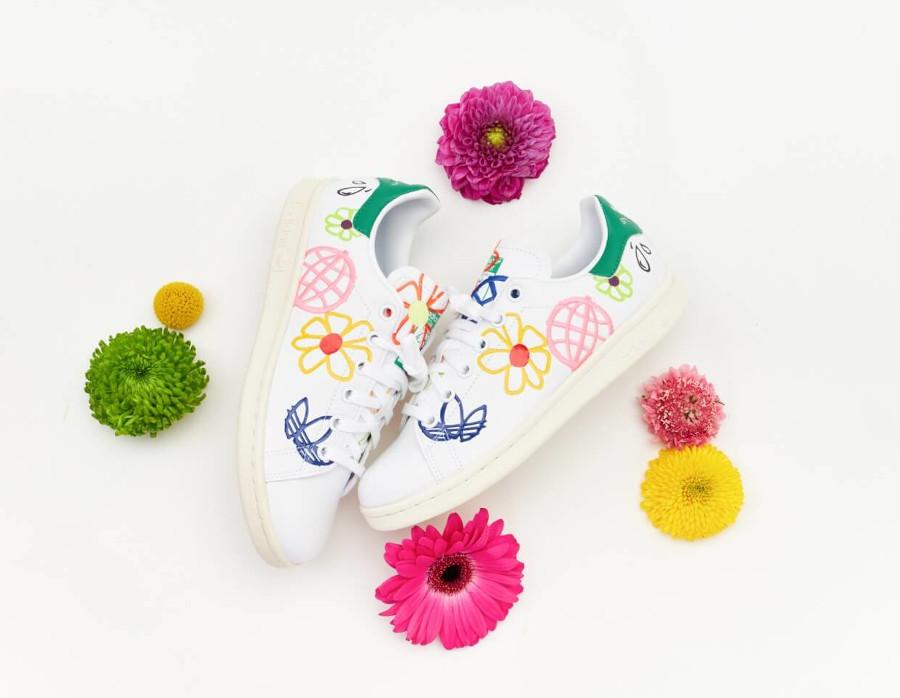 Adidas Stan Smith recyclée à fleurs (1)