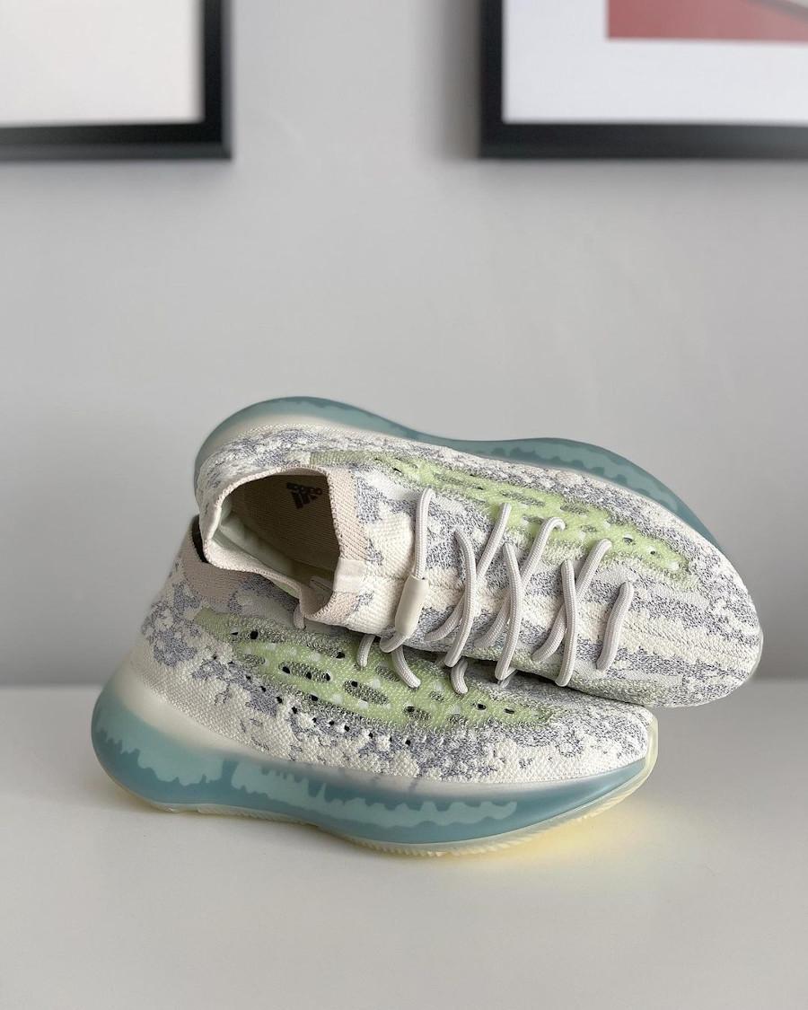 Adidas Yezzi 380 snakeskin gris et blanc réfléchissant 2021 (5)