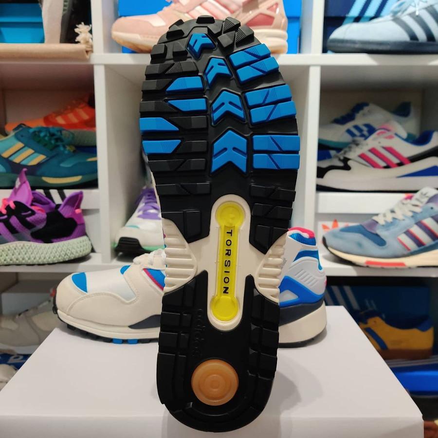 Adidas ZX 0000 blanche bleue et rose (2)