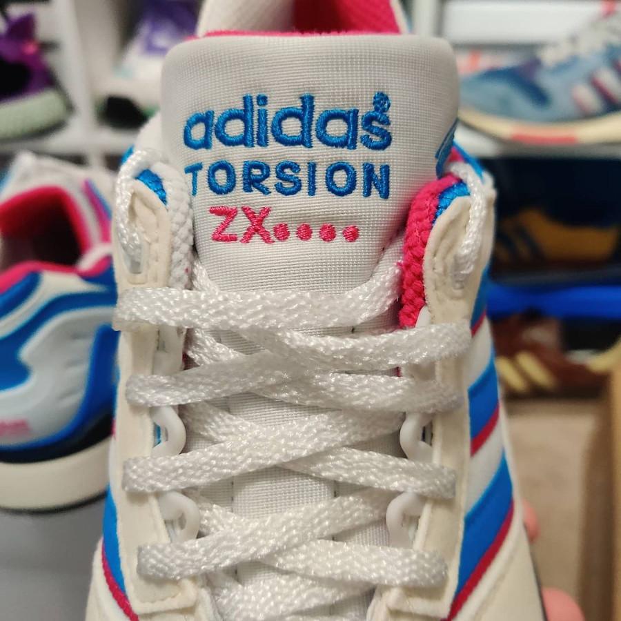 Adidas ZX 0000 blanche bleue et rose (4)
